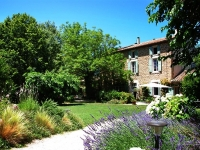 FarmhouseNear AVIGNON84