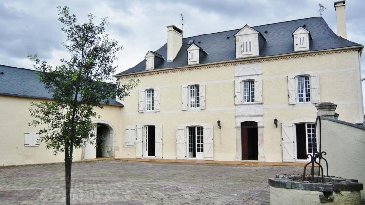 Location Maison 8 pièces PAU 64000