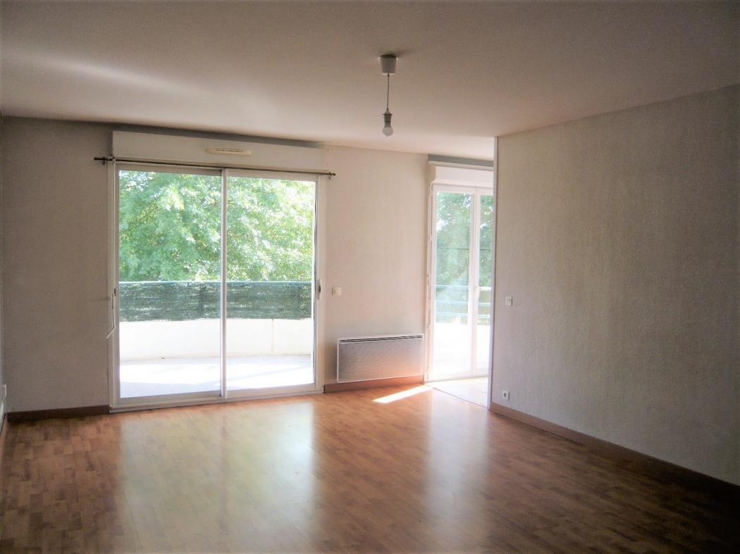 Location Appartement 2 pièces LONS 64140