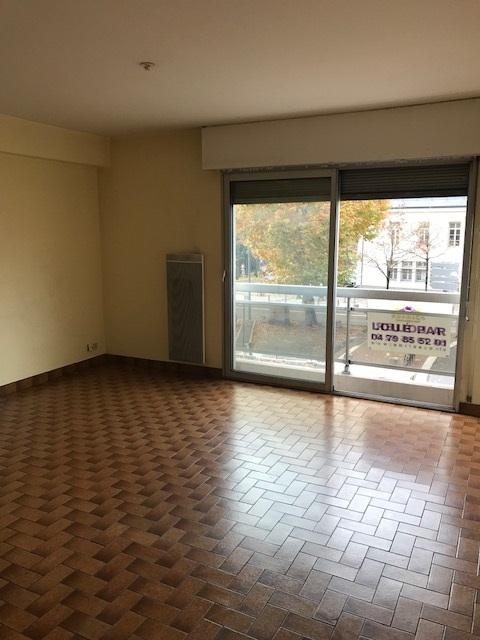 Location Appartement 2 pièces CHAMBERY 73000