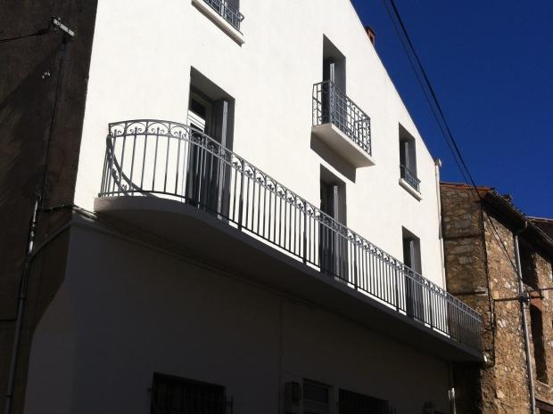 Fiche Id-IMS64129 : Paziols, Maison d'environ 300 m2 comprenant 15 piece(s) dont 8 chambre(s) + Balcon de 10 m2 - Vue : Village -  - Equipements annexes : balcon -   double vitrage -   cellier -  cheminee -   - chauffage : Electrique  - Plus d'informations disponibles sur demande... - Mentions légales :  Proposé à la vente à 165000 Euros (Dont 5.77% TTC d'honoraires à la charge de l'acquéreur, soit un prix hors honoraires de 156000 Euros) - Affaire suivie par Melle St?phanie ASCO  (Agent commercial indépendant) - Reseau Immo-Diffusion Villeseque Des Corbieres - Pour plus d'informations, contactez notre secrétariat au +33 (0)9 74 53 13 81 (Appel gratuit ou prix d'une communication locale)