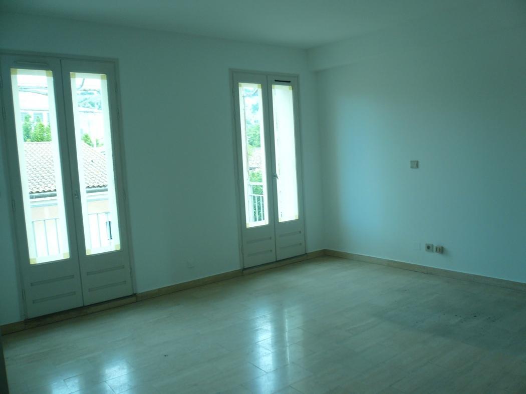 Location Appartement 3 pièces CAVAILLON 84300
