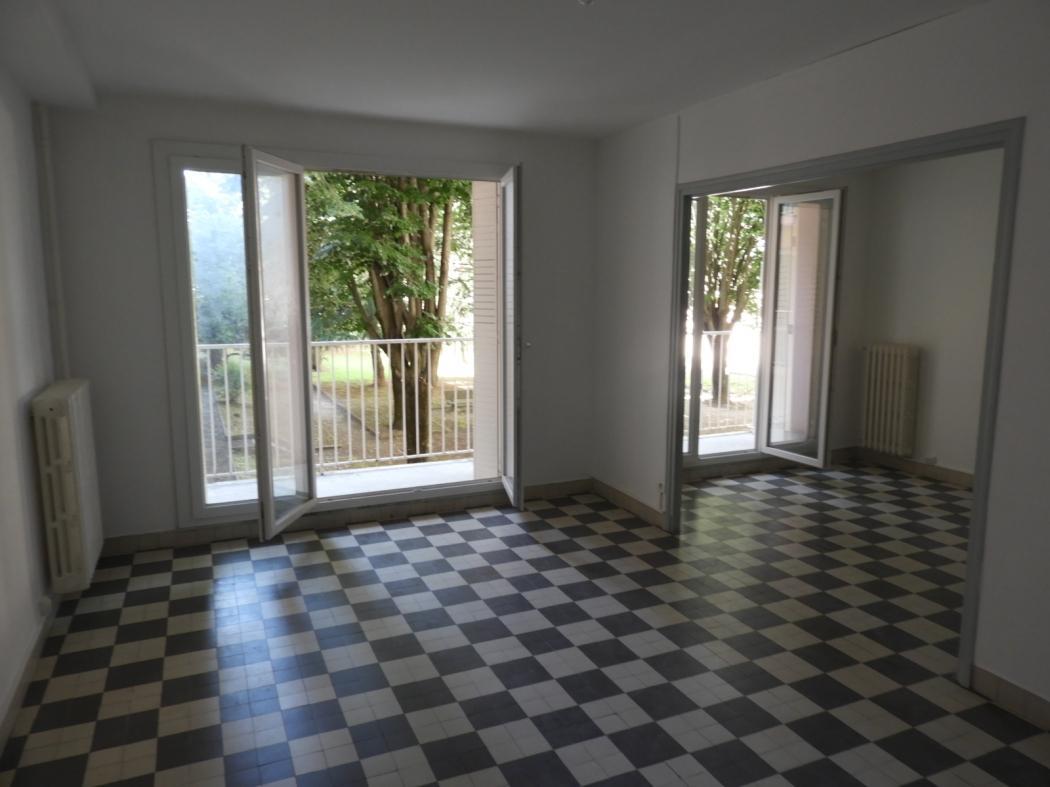 Location Appartement 4 pièces BOURG SAINT ANDEOL 07700