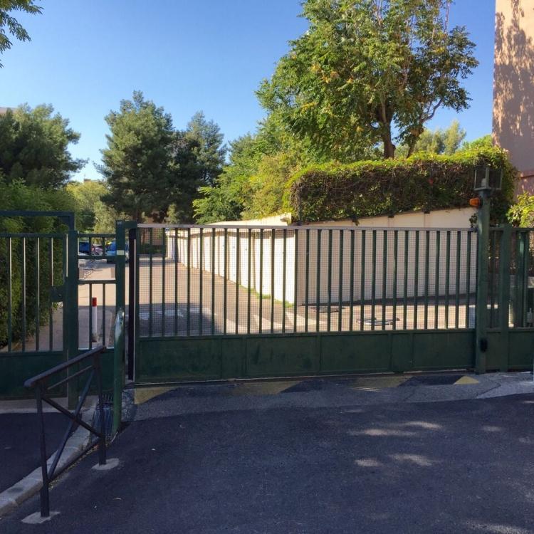 Location Parking 1 pièces MARSEILLE 13009