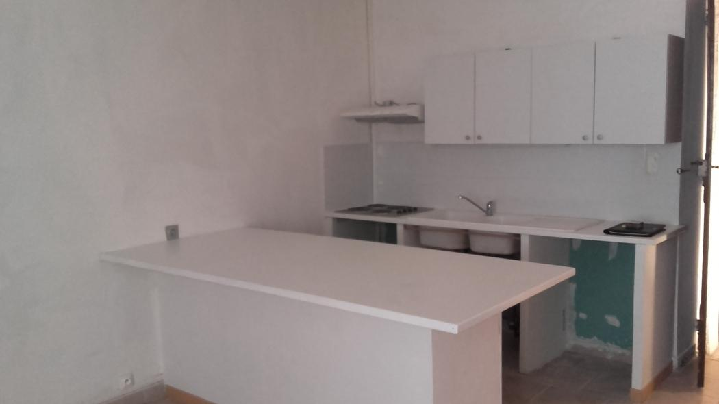 Location Appartement 2 pièces SAINT AMBROIX 30500