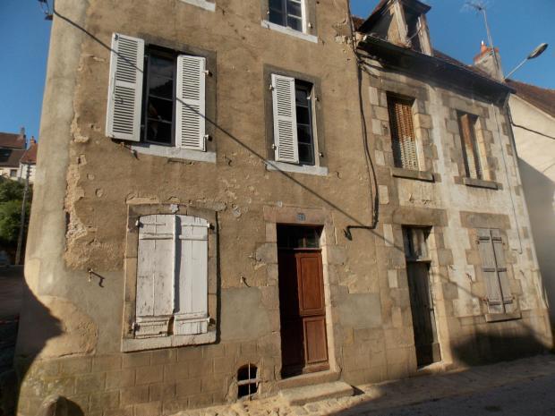 Vente Maison 9 pièces CHAMBON SUR VOUEIZE 23170