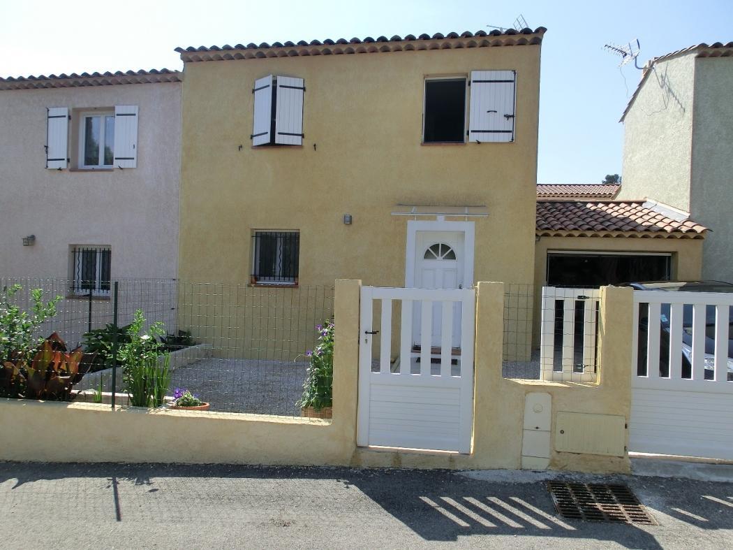 Vente Maison 4 pièces LA ROQUEBRUSSANNE 83136