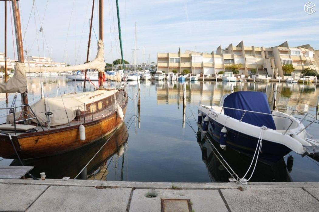 vente appartement port camargue port camargue plage sud n. Black Bedroom Furniture Sets. Home Design Ideas
