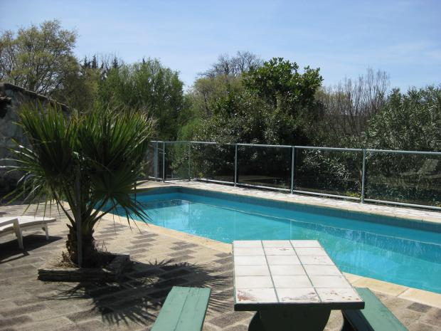 Gard saint marcel de careiret archive villa avec piscine for Piscine saint marcel