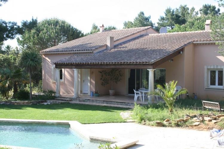 Gard sabran archive maison avec jardin et piscine n for Jardin immobilier vallangoujard