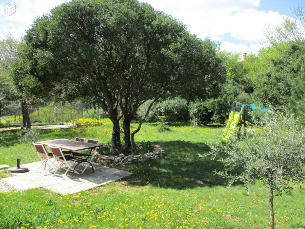 Vente villa avec jardin et piscine hors sol goudargues a for Jardin hors sol