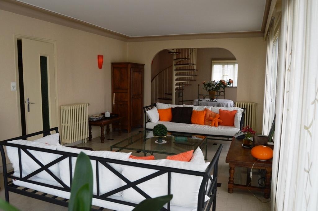 vente maison cholet proche toutes commodit s 5 c cholet centre ville n ho81864 immobilier. Black Bedroom Furniture Sets. Home Design Ideas