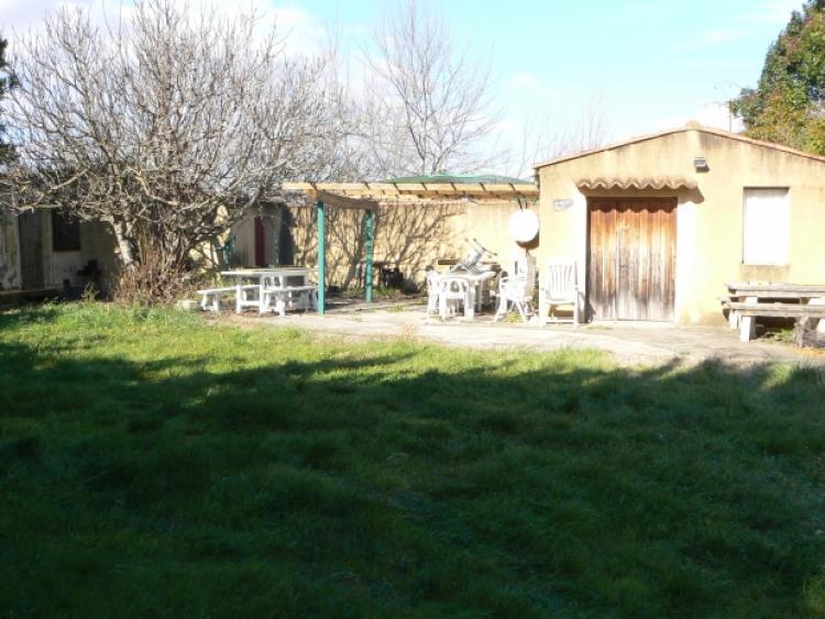 30 venejan archive terrain avec piscine maisonnette n for Piscine hors sol zone non constructible
