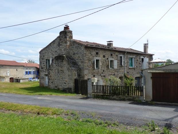 Lozere fontanes archive maison ancienne ferme avec cour for Taxe habitation garage non attenant