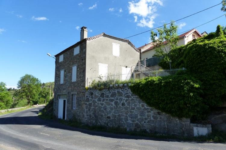 Vente maison auroux n lp74162 immobilier auroux lozere for Taxe habitation garage non attenant