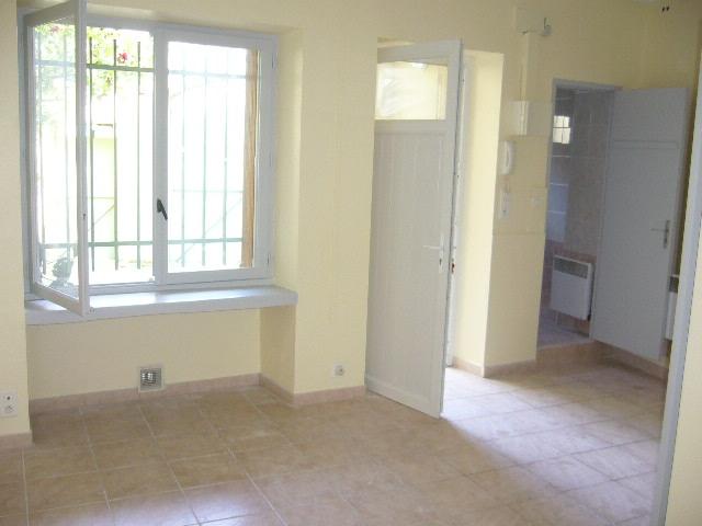 vente immeuble 5 appartements nimes quartier croix de fer n np72582 immobilier nimes gard. Black Bedroom Furniture Sets. Home Design Ideas