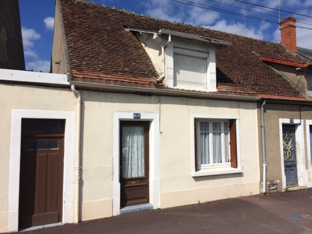 Vente maison avec garage st amand montrond proche gare n for Garage volkswagen saint amand montrond