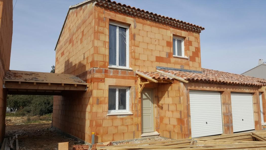 Vente maison sorgues n og77290 immobilier sorgues vaucluse for Maison sorgues