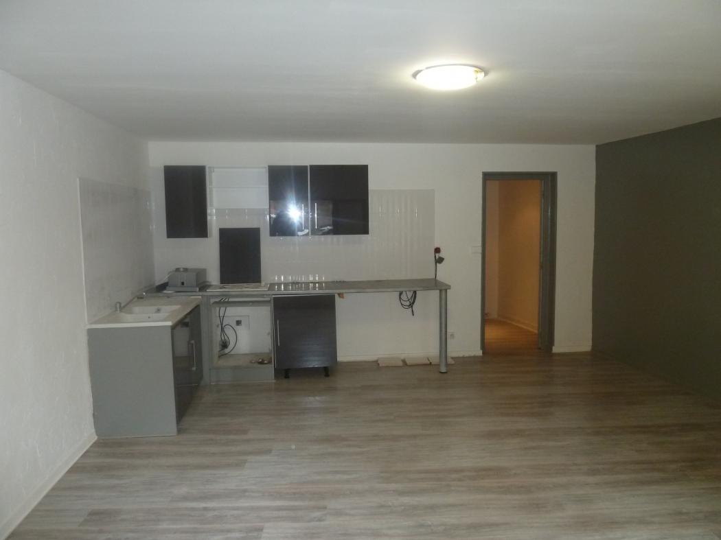 38 le pont de beauvoisin archive studio rez de chausse 36m n 80351 immo diffusion 38. Black Bedroom Furniture Sets. Home Design Ideas