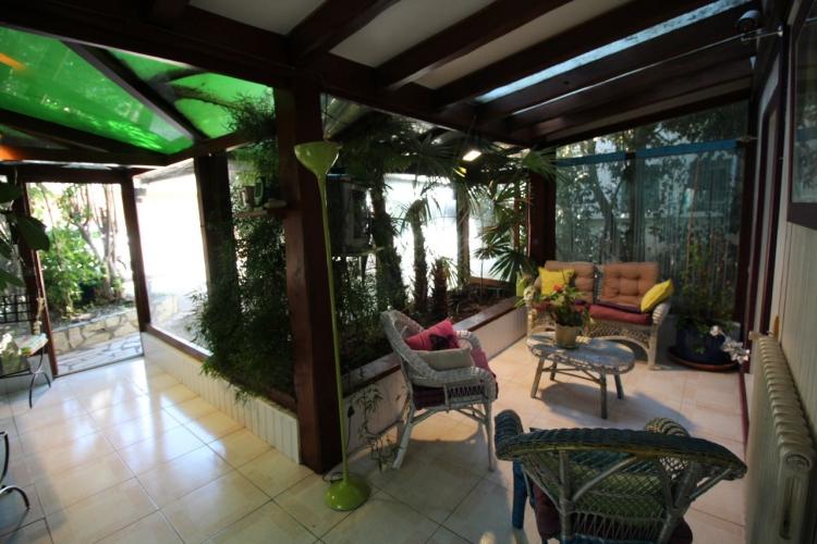 Vente maison jardinet garage plein centre pezenas centre for Garage delvaux pezenas