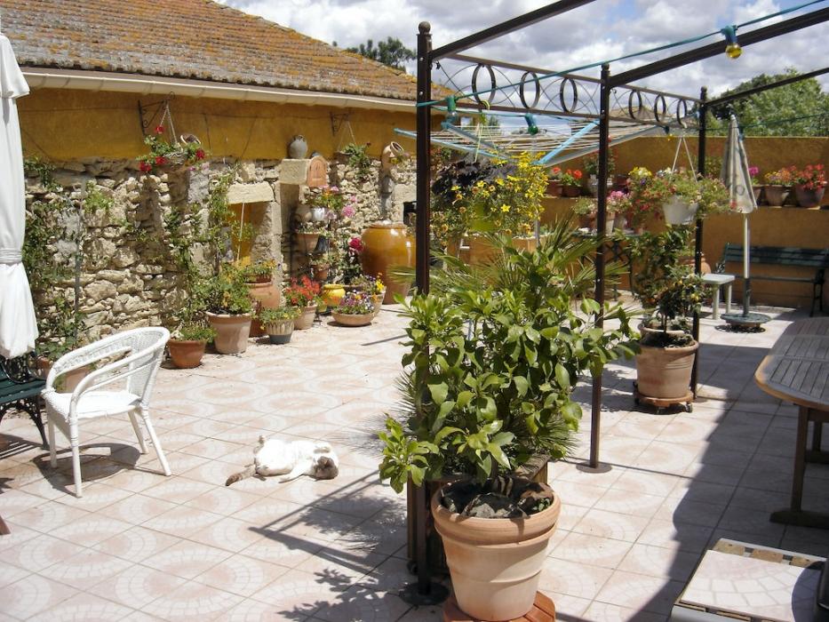 Herault pezenas archive maison garage et grande terrasse for Garage delvaux pezenas