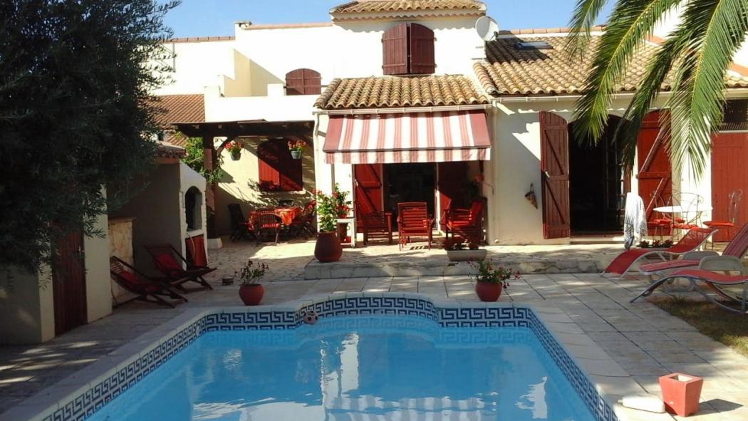 Vente villa centre ville piscine pezenas centre ville n pz79118 immobilier pezenas herault - Pezenas piscine ...
