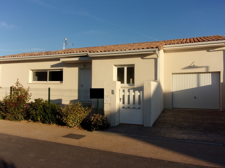 Vente villa plain pied piscine beziers n rh75404 for Vente accessoire piscine