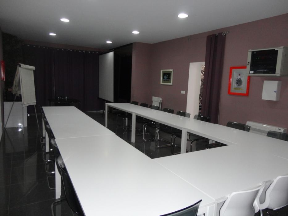 Vente local bureau pezenas n rh81714 immobilier pezenas for Bureau local