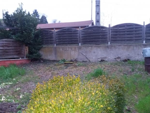 Vente maison de village avec garage et jardin non attenant for Jardin non attenant