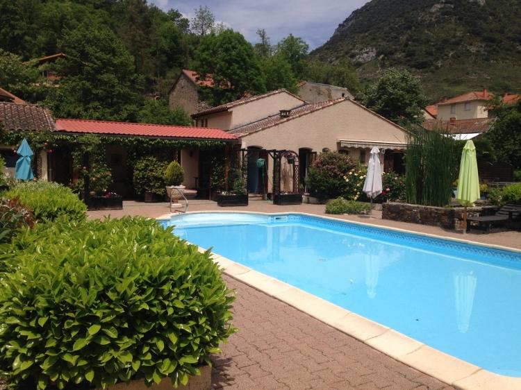 Vente villa parc paysager magnifique avec tang ussat for Prix piscine 5x10