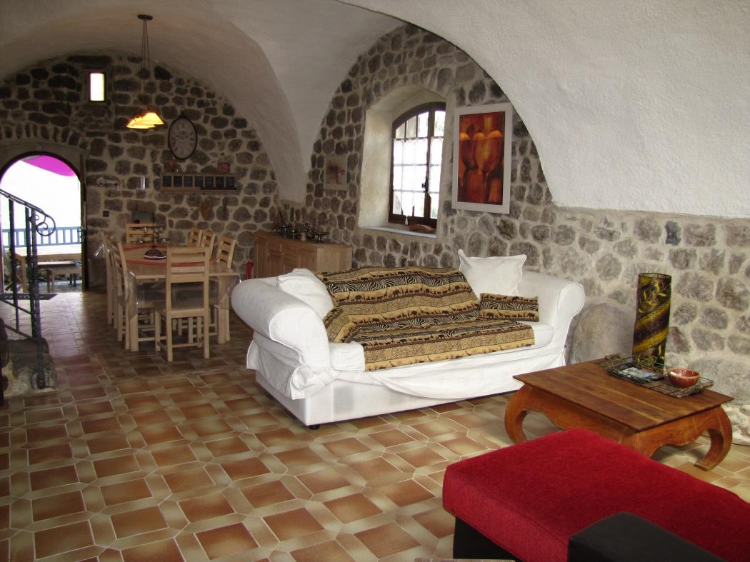 Vente maison de village appartement en rdc en pierres vals for Vente appartement rdc