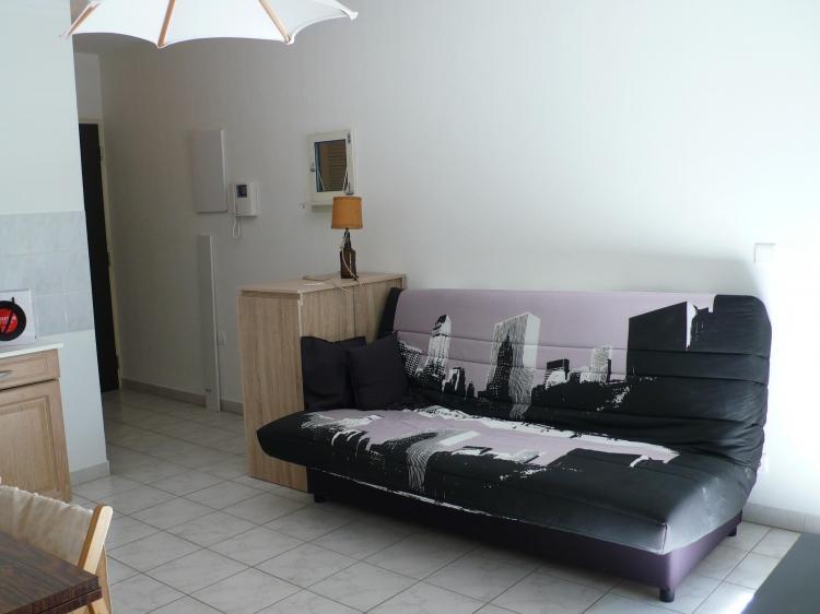 gard studio meuble lou nimes n 12790 immo diffusion gard. Black Bedroom Furniture Sets. Home Design Ideas