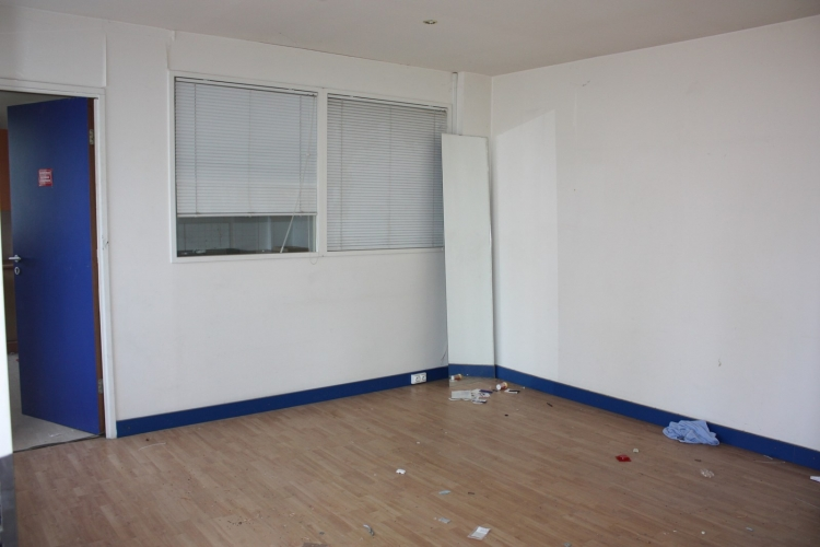 91 local entrepot avec bureau lou saint germain les arpajon n 11617 immo diffusion 91. Black Bedroom Furniture Sets. Home Design Ideas