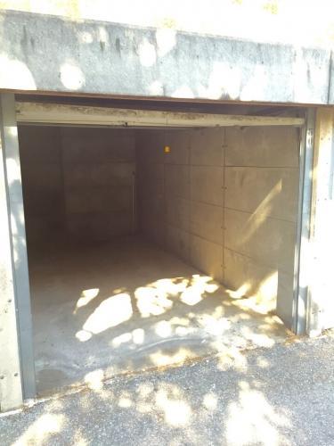 Garage louer marseille n nl12292g bouches du rhone for Prix garage marseille