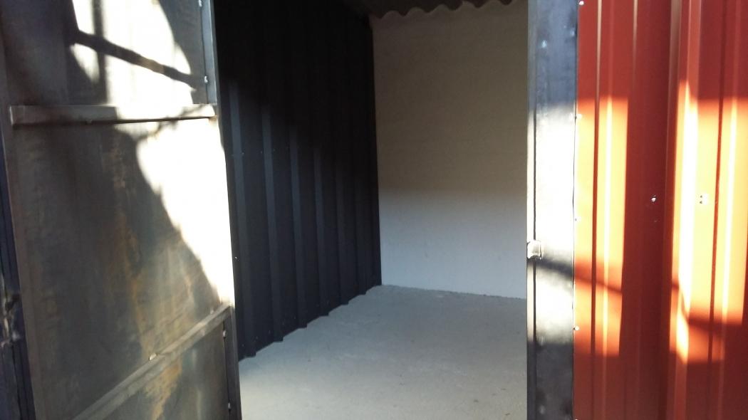 garage box stockage garde meuble louer peyrolles en provence n nl13248g bouches du rhone. Black Bedroom Furniture Sets. Home Design Ideas