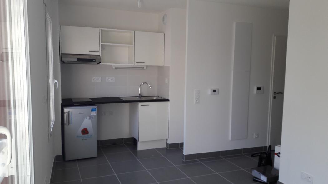 studio louer castelnau le lez n tp13030g herault. Black Bedroom Furniture Sets. Home Design Ideas